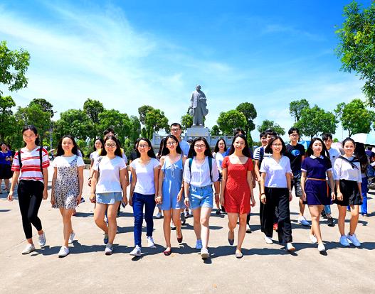 中山大学新华学院为社会培养高素质复合应用型人才