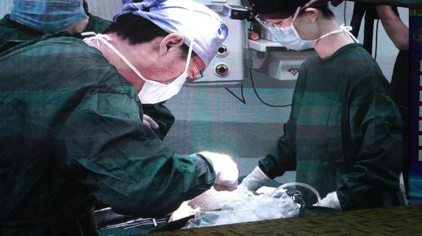"""沈阳杏林整形外科医院挑战医学""""换脸""""_8小时让早衰少女""""返老还童"""""""